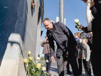 Koszorúzás, gyertyagyújtás Göncz Árpád emlékére